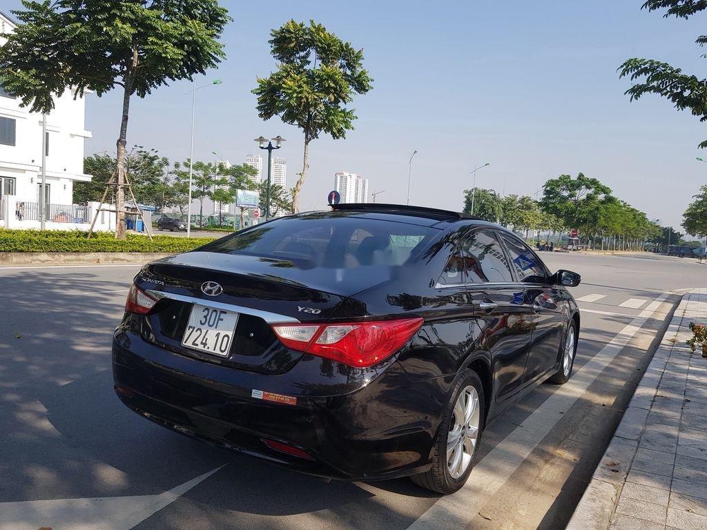 Cần bán Hyundai Sonata đời 2010, màu đen còn mới (7)