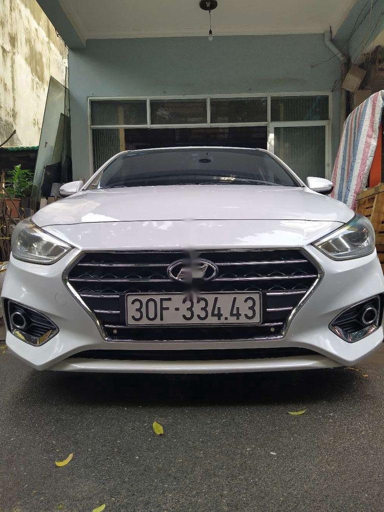 Bán ô tô Hyundai Accent sản xuất 2018, màu trắng, nhập khẩu (1)