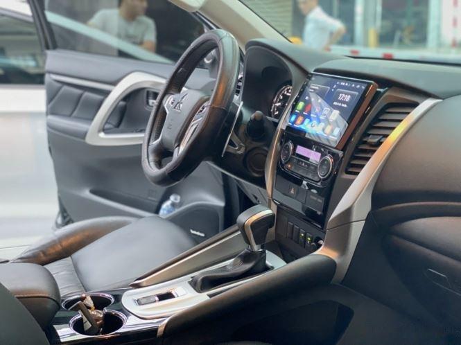 Bán xe Mitsubishi Pajero Sport năm sản xuất 2019, màu đen, giá 920tr (10)