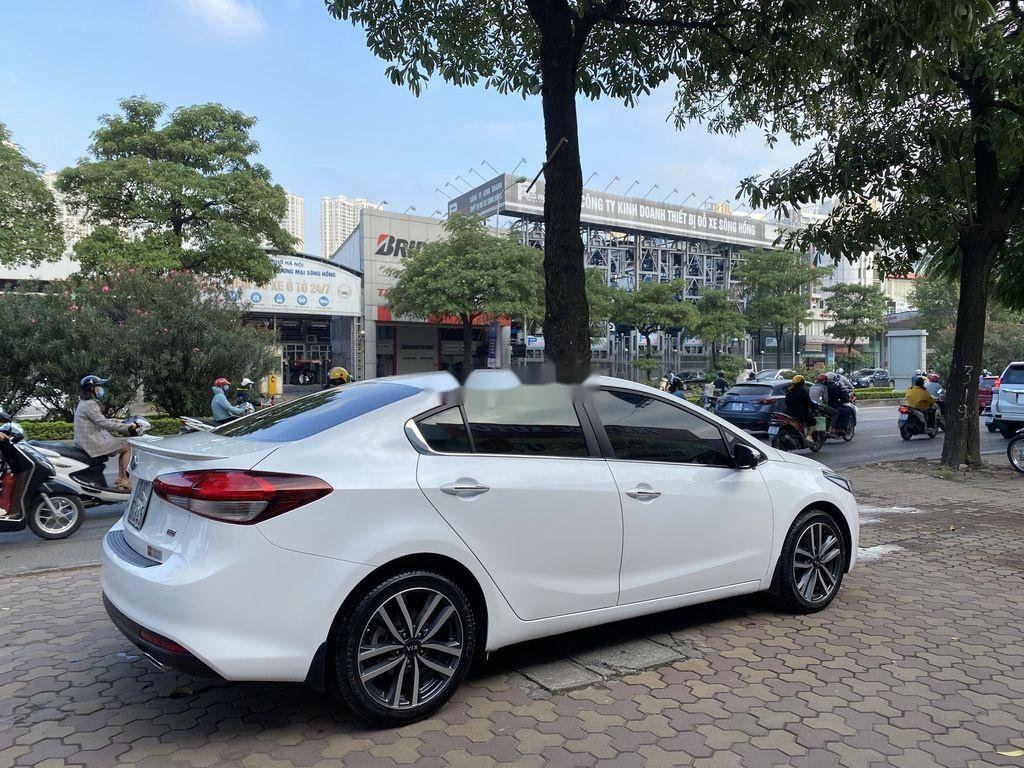 Cần bán xe Kia Cerato sản xuất năm 2016, màu trắng (2)