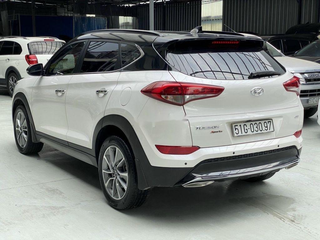 Cần bán gấp Hyundai Tucson năm sản xuất 2018, màu trắng (2)