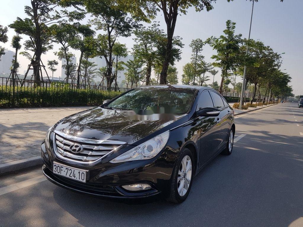 Cần bán Hyundai Sonata đời 2010, màu đen còn mới (2)