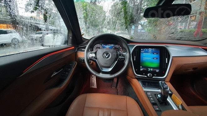 Vinfast Lux SA 2.0 giá tốt Miền Nam + Giảm đến 371 triệu tương đương 22% giá trị xe, chỉ có tại VinFast (4)