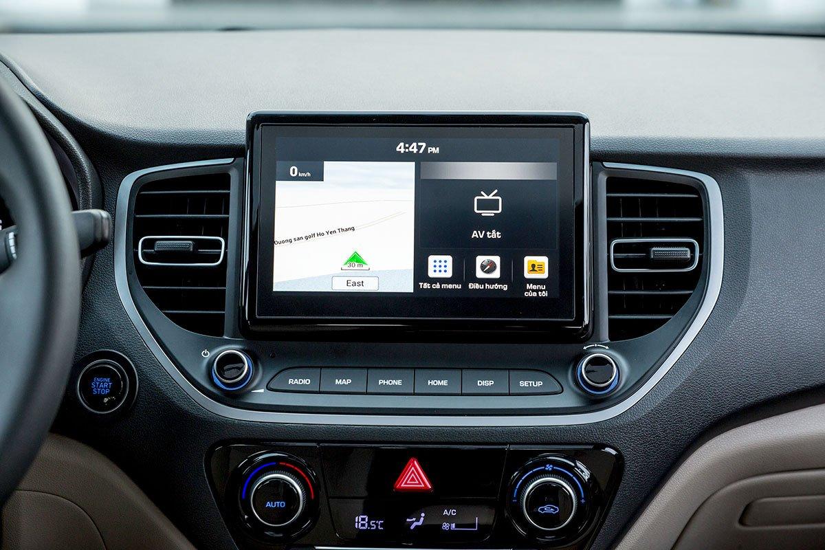 Màn hình giải trí 8 inch của Hyundai Accent 2021.