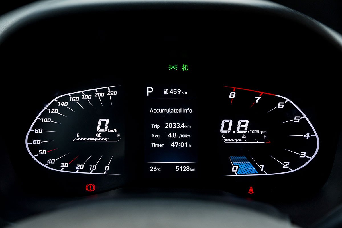 Bảng đồng hồ kỹ thuật số của Hyundai Accent 2021.