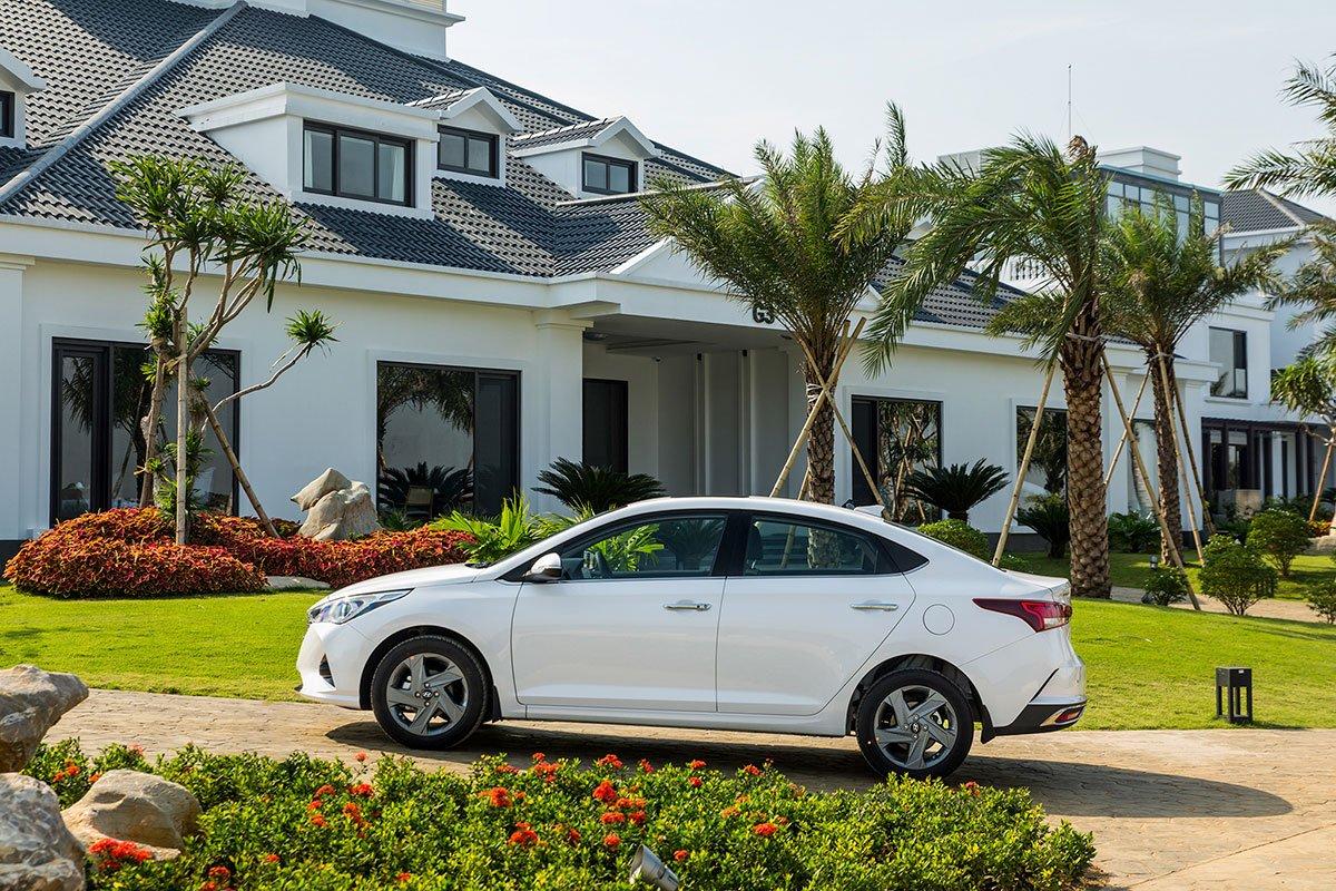 Thiết kế thân xe Hyundai Accent 2021.