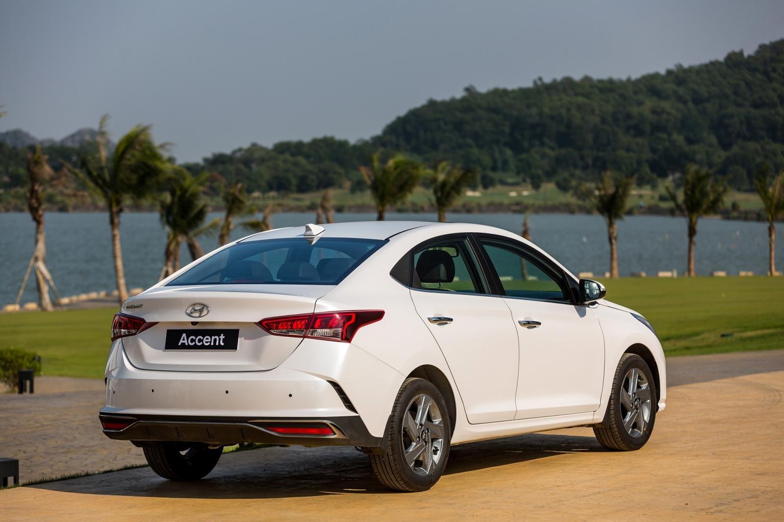 Ngoại thất Hyundai Accent 2021 3.