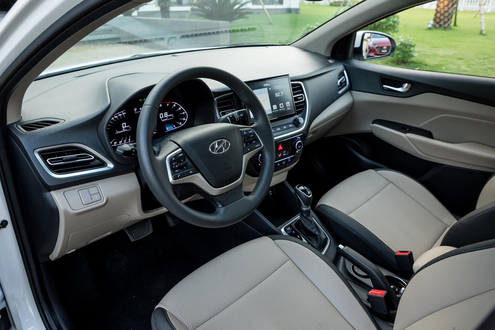 Nội thất xe Hyundai Accent 2021 1.