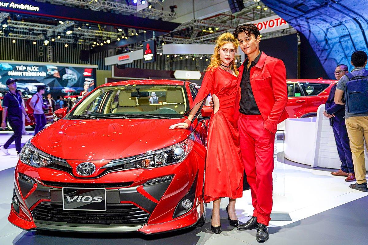 Ô tô tại Việt Nam đang có giá bán khá cao.
