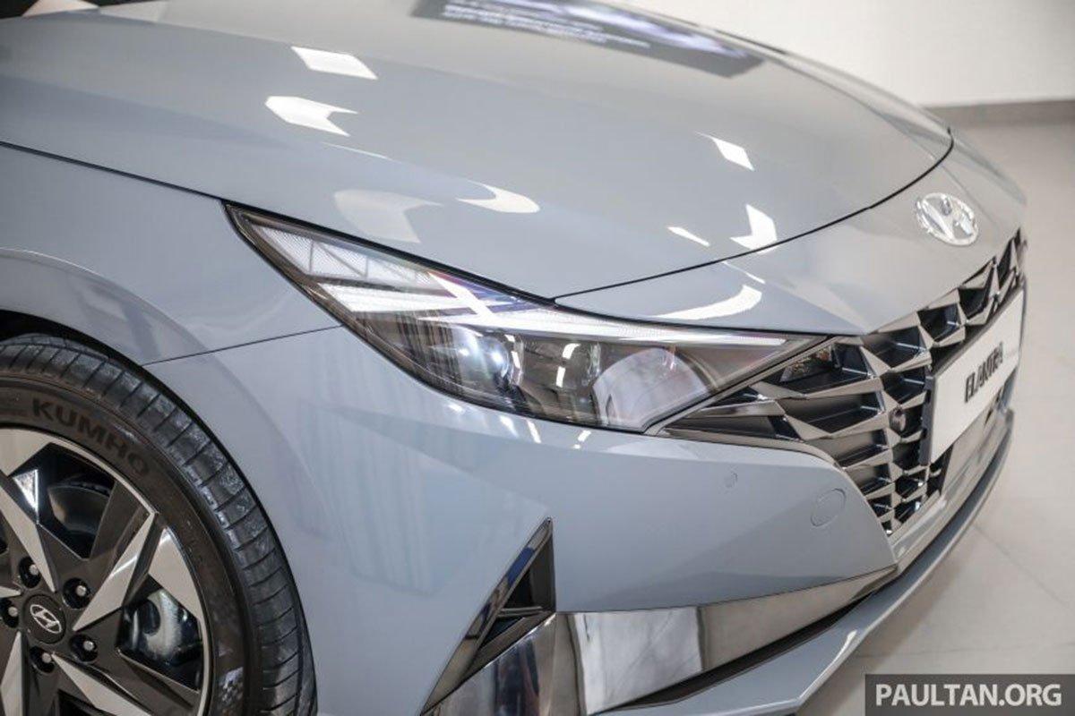Cụm đèn pha trên xe Hyundai Elantra 2021 1