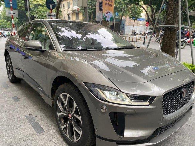 Bắt gặp chiếc Jaguar I-Pace chạy điện đầu tiên tại Việt Nam 1