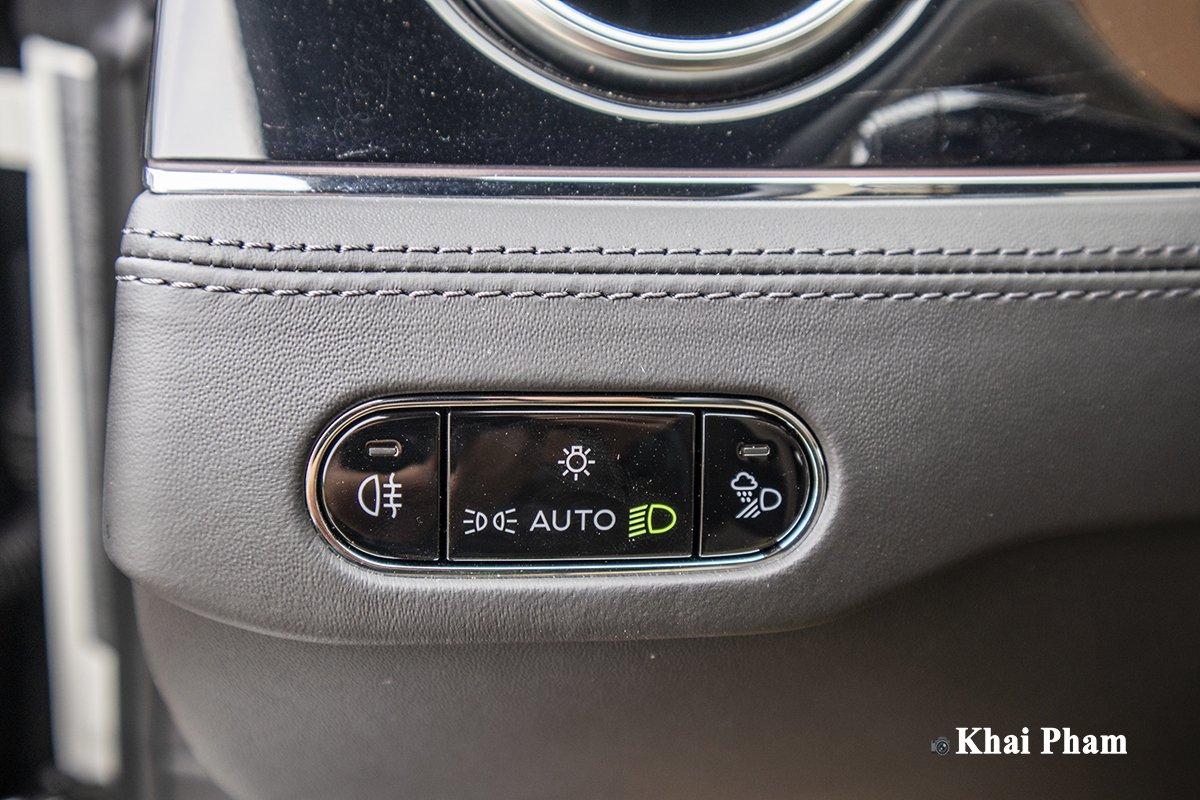 Ảnh Chỉnh đèn tự động xe Bentley Continental GT 2021
