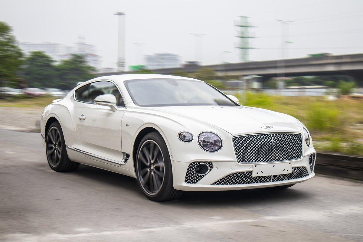 Ảnh Vận hành xe Bentley Continental GT 2021
