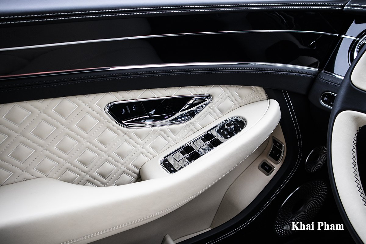 Ảnh Táp-li cửa xe Bentley Continental GT 2021