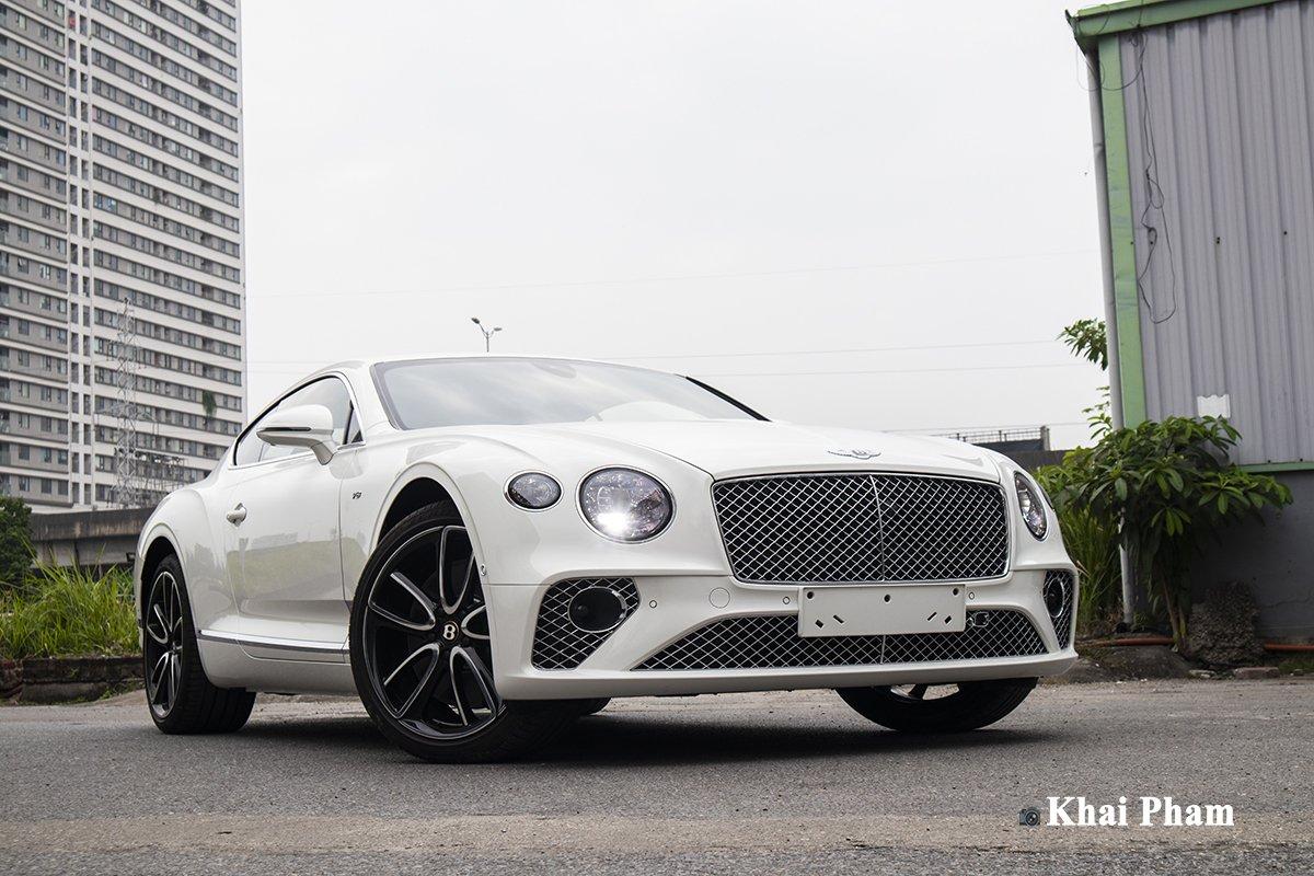 Ảnh đầu xe Bentley Continental GT 2021