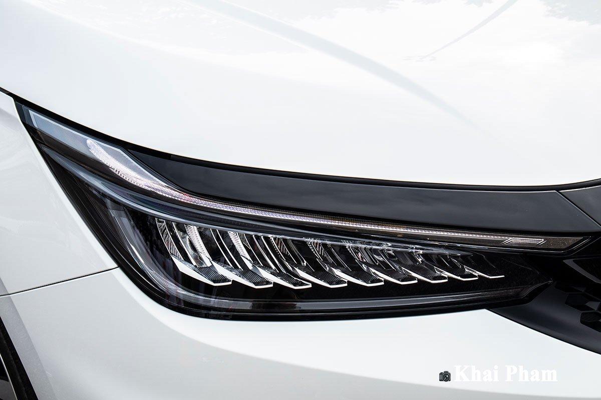 Đèn chiếu sáng trên Honda City 2021 phiên bản RS là loại Full LED.