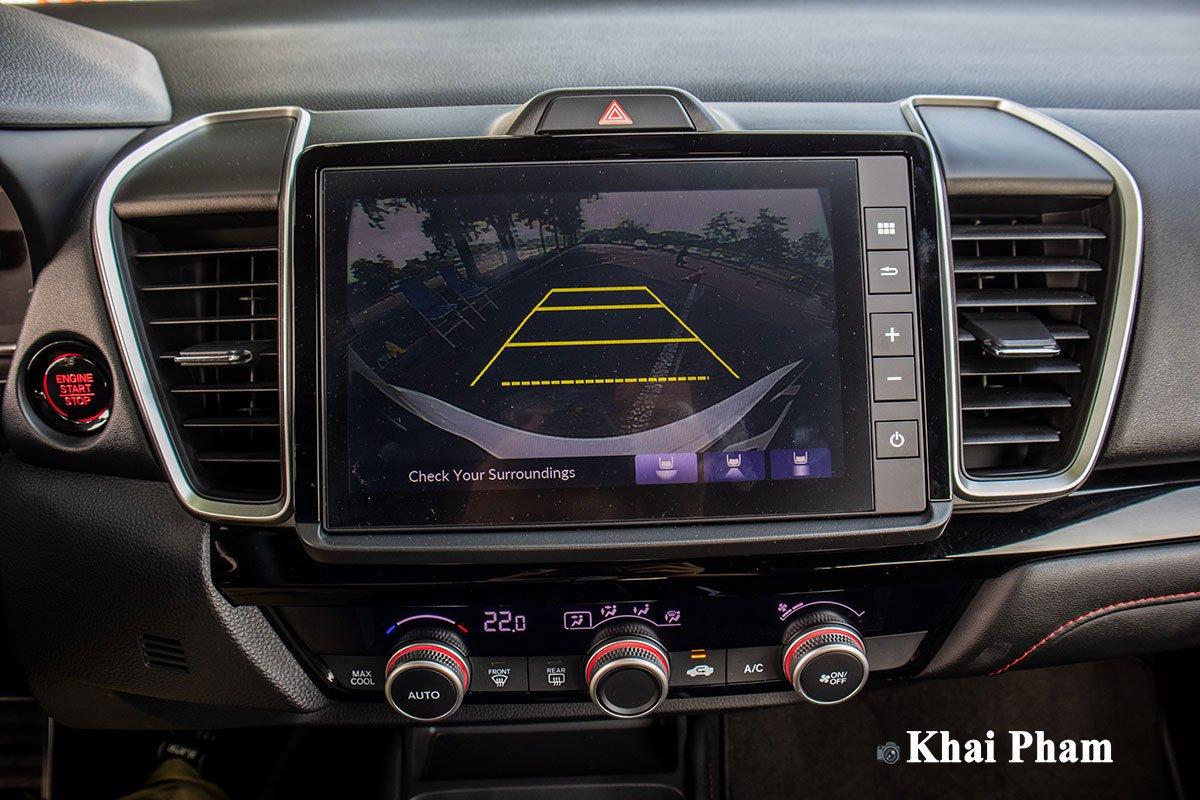 Hệ thống camera lùi 3 góc nhìn trên Honda City 2021.