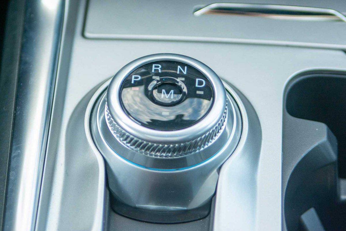 Ảnh Cần số xe Ford Explorer 2021