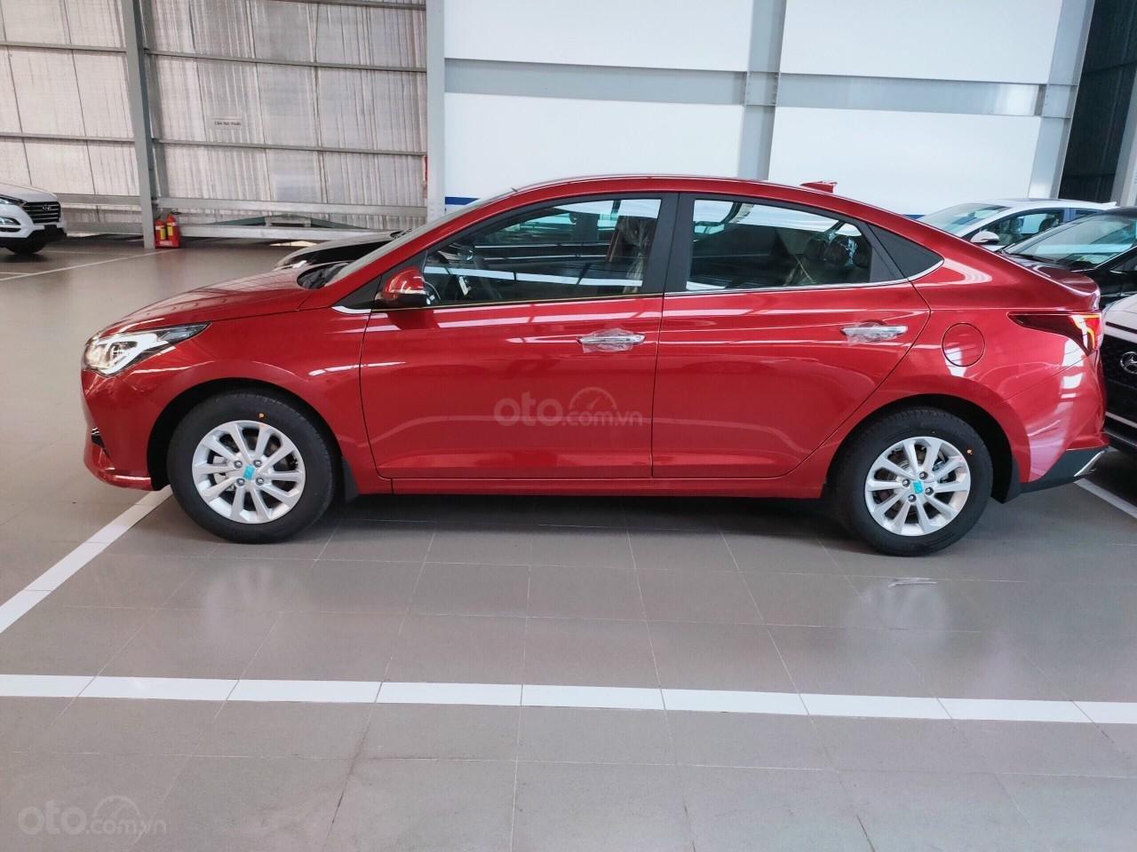 Hyundai Miền Nam: Bán Hyundai Accent năm 2021, xe đủ màu, trả góp lên đến 85% giá trị xe, mua xe giá tốt nhất (4)