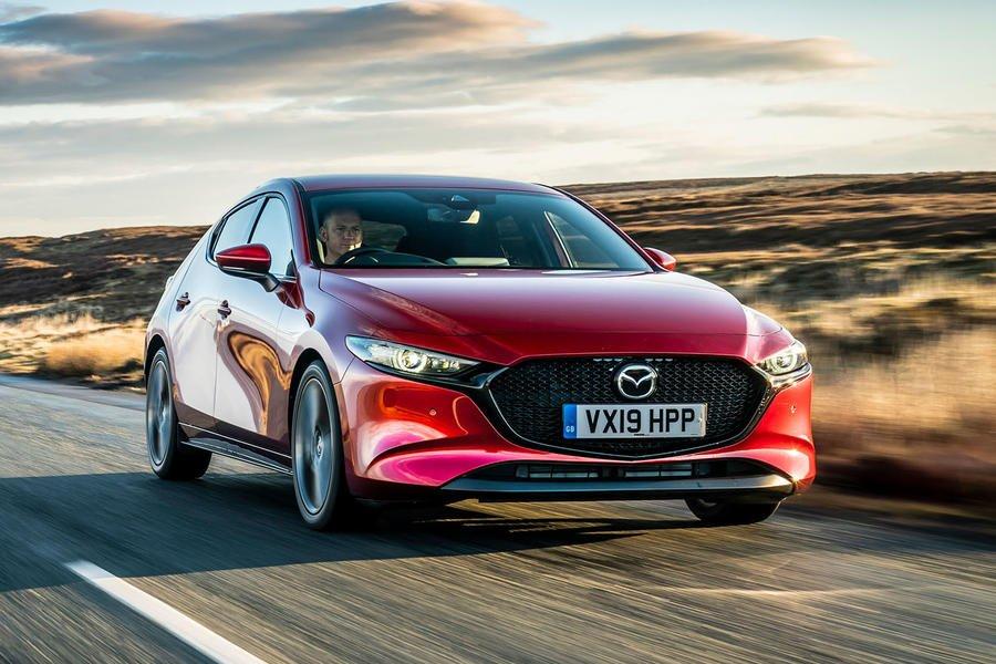 Mazda 3 đáng cân nhắc với thiết kế bắt mắt.