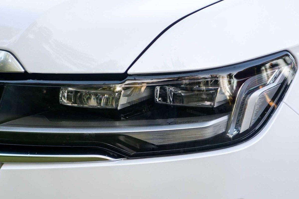 Ảnh Đèn pha xe Cadillac Escalade 2021
