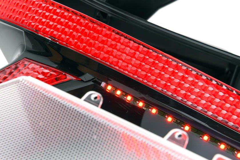Công nghệ đèn Hyundai ẩn cũng được áp dụng cho bộ đèn hậu.