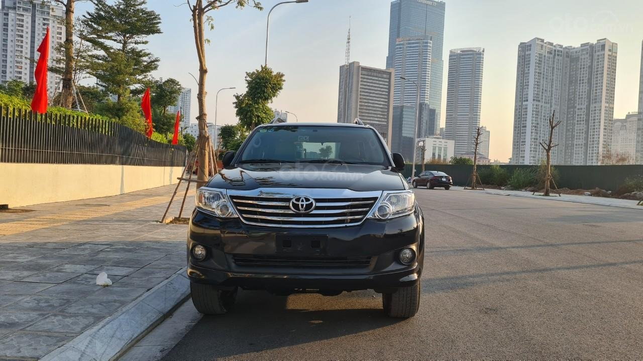 Bán nhanh chiếc Toyota Fortuner 2013 AT (1)
