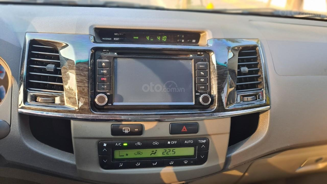 Bán nhanh chiếc Toyota Fortuner 2013 AT (13)
