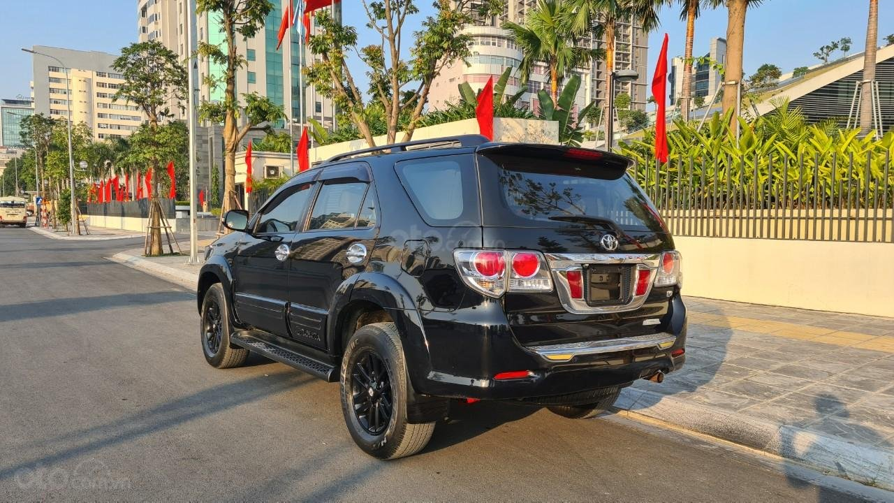 Bán nhanh chiếc Toyota Fortuner 2013 AT (5)