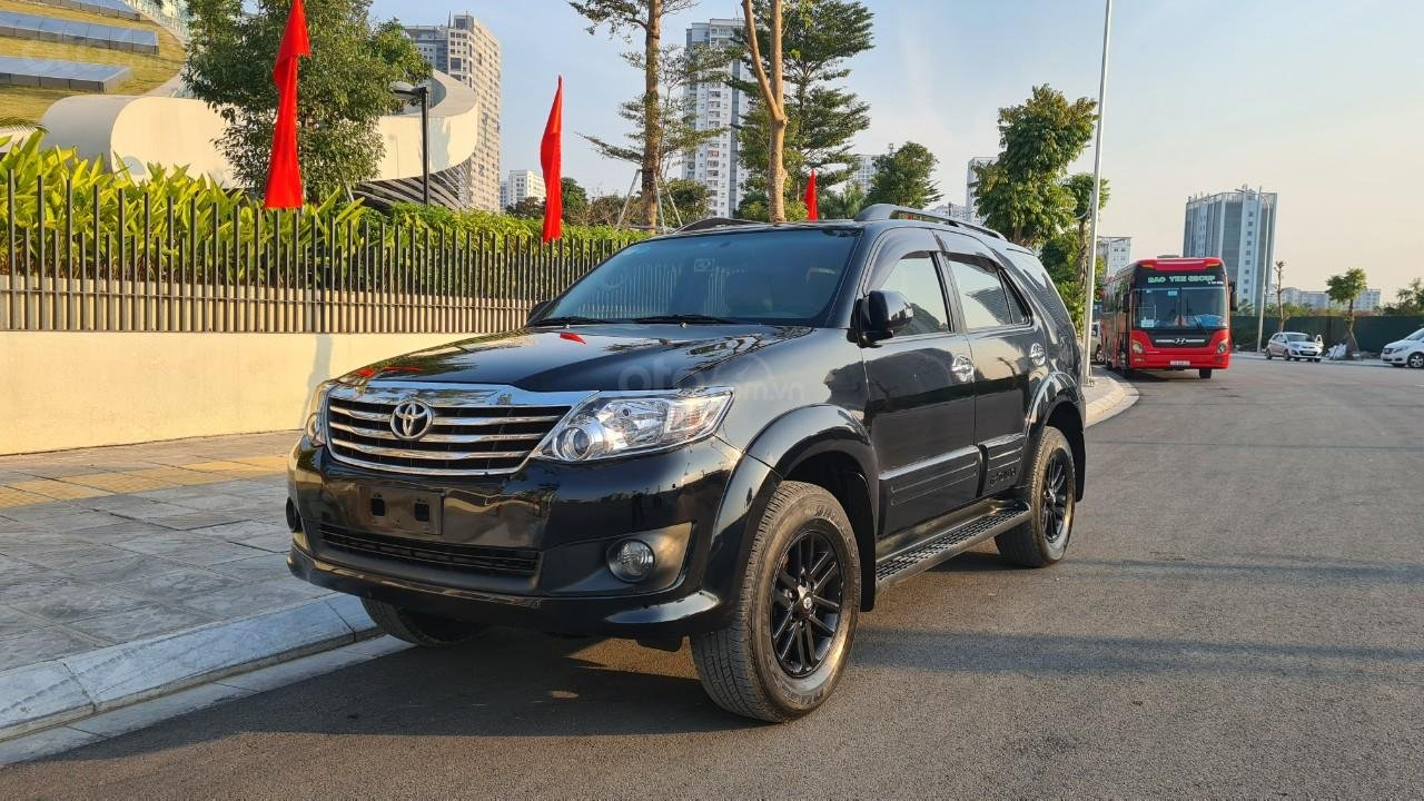 Bán nhanh chiếc Toyota Fortuner 2013 AT (3)