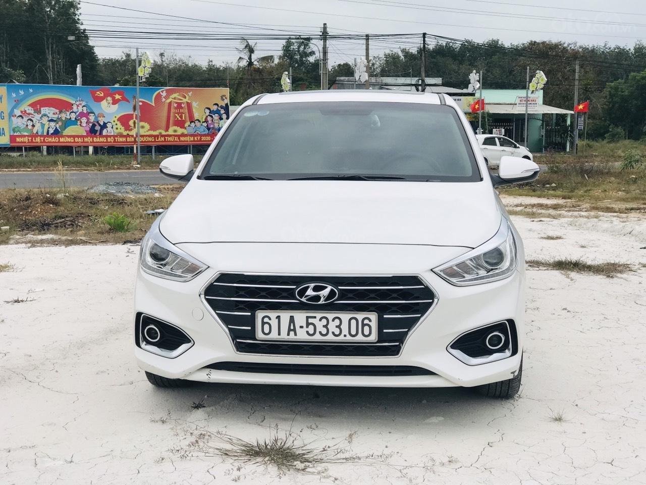 Mới về Hyundai Accent sản xuất 2018 1.4ATH bản đặc biệt (1)