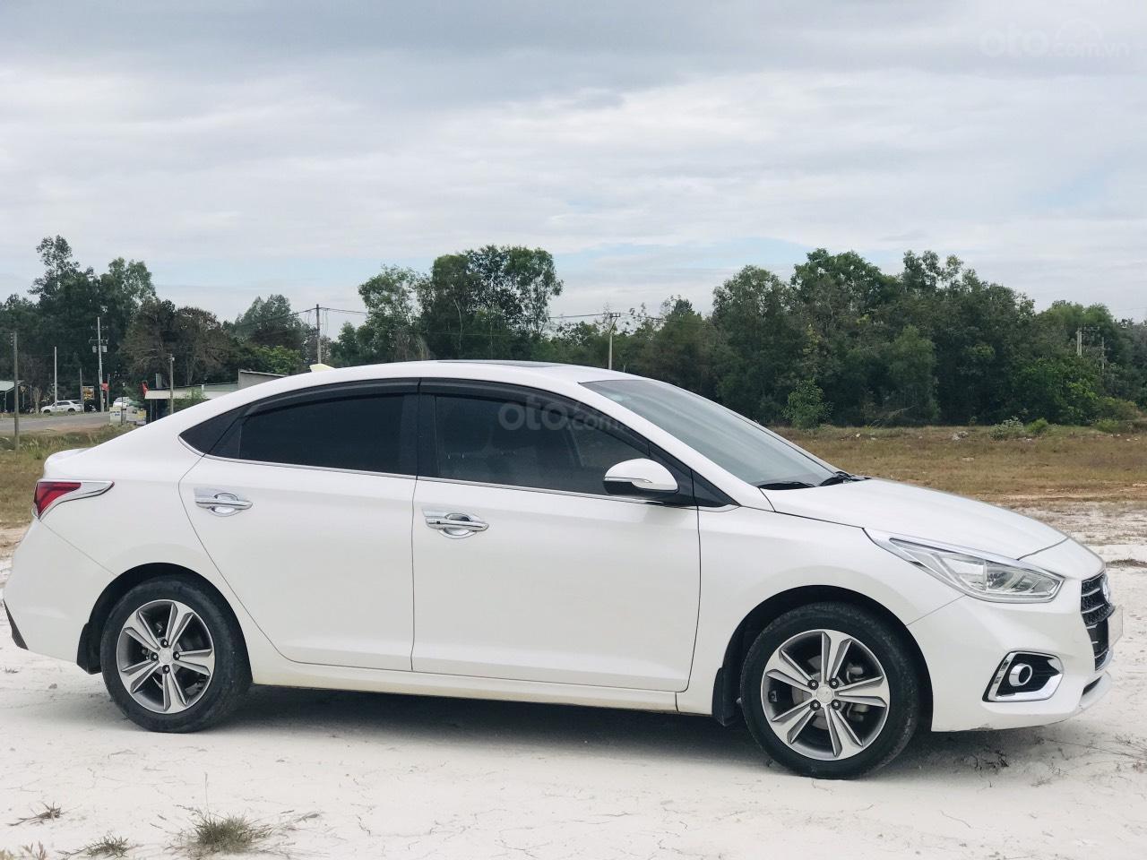 Mới về Hyundai Accent sản xuất 2018 1.4ATH bản đặc biệt (2)