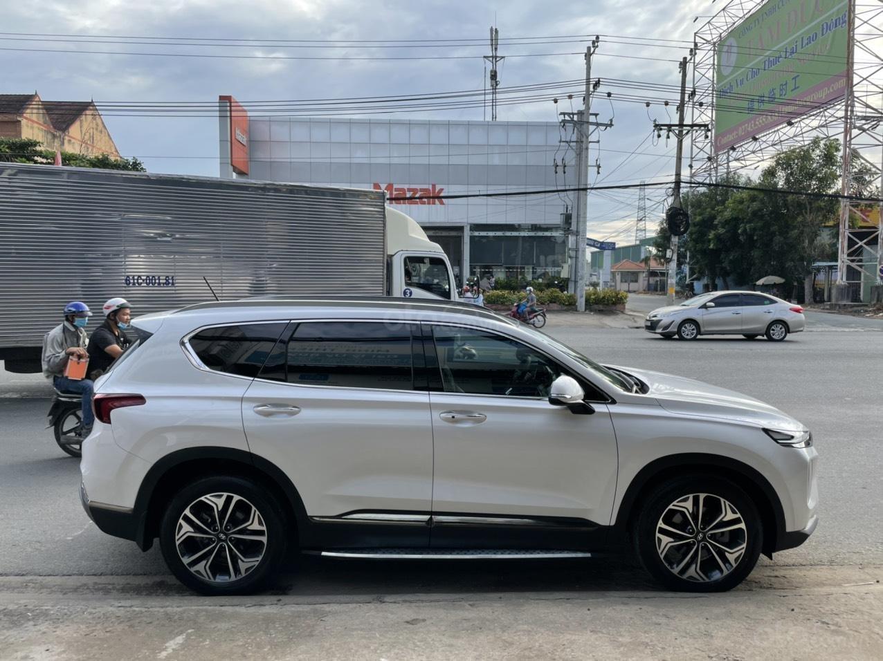 Mới về Hyundai Santa Fe sản xuất 2019 bản 2.2L (2)