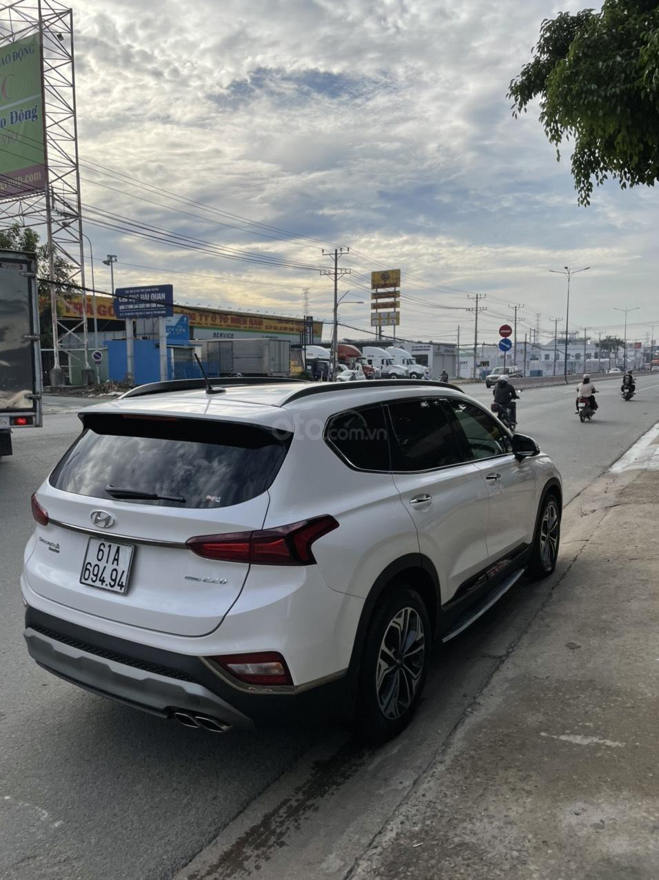 Mới về Hyundai Santa Fe sản xuất 2019 bản 2.2L (5)