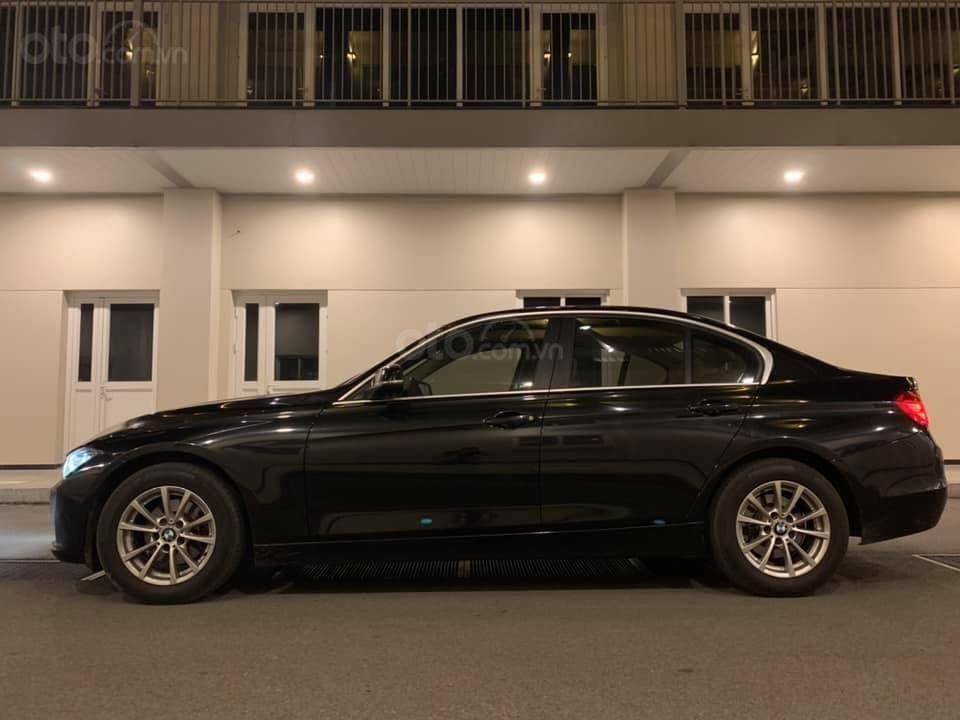 Cần bán lại xe BMW 3 Series 320i năm sản xuất 2015, màu đen, nhập khẩu, giá tốt (5)