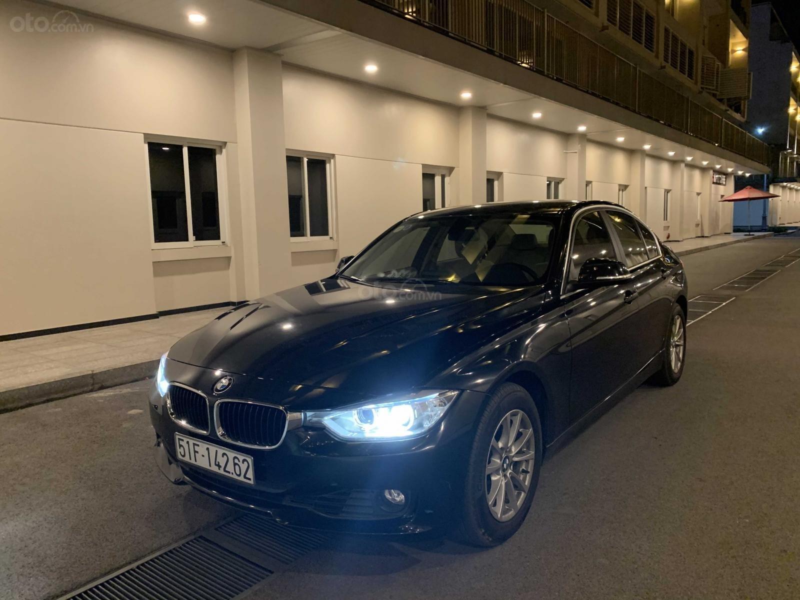 Cần bán lại xe BMW 3 Series 320i năm sản xuất 2015, màu đen, nhập khẩu, giá tốt (1)
