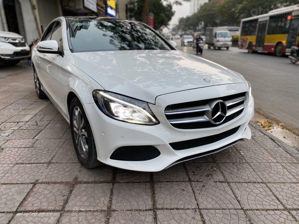 Bán xe Mercedes-Benz C class năm 2016, màu trắng, xe gia đình, giá tốt 1 tỷ 120 triệu đồng (4)