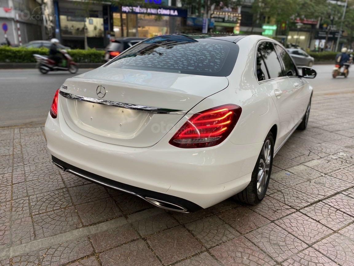 Bán xe Mercedes-Benz C class năm 2016, màu trắng, xe gia đình, giá tốt 1 tỷ 120 triệu đồng (3)