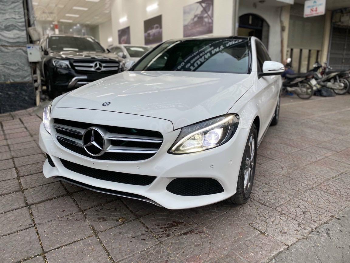 Bán xe Mercedes-Benz C class năm 2016, màu trắng, xe gia đình, giá tốt 1 tỷ 120 triệu đồng (5)