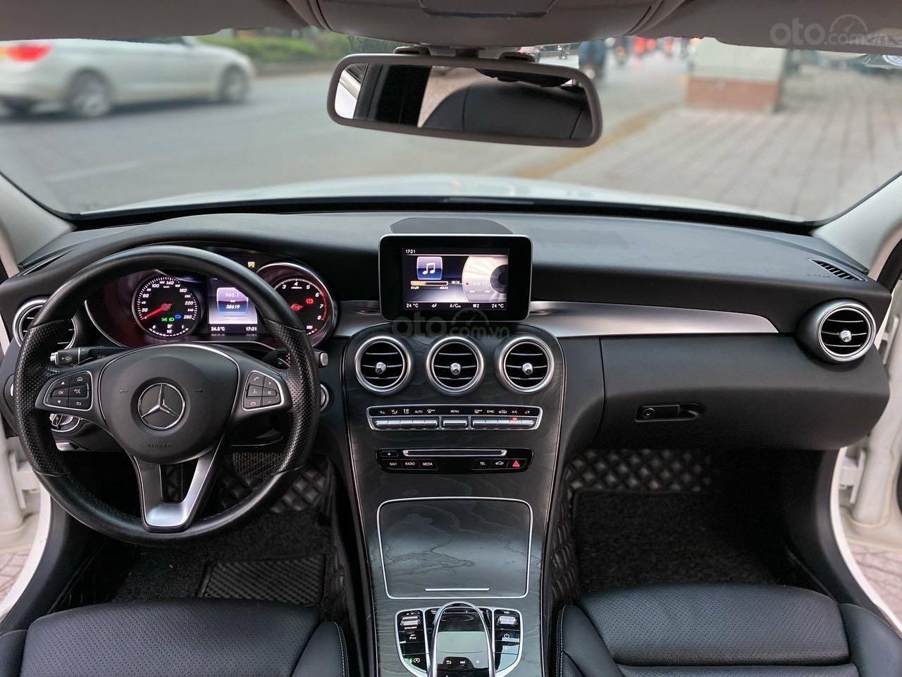 Bán xe Mercedes-Benz C class năm 2016, màu trắng, xe gia đình, giá tốt 1 tỷ 120 triệu đồng (8)