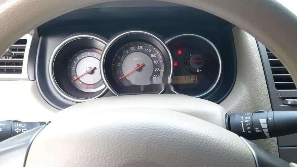 Cần bán gấp Nissan Tiida sản xuất năm 2009, xe nhập còn mới, giá tốt (4)