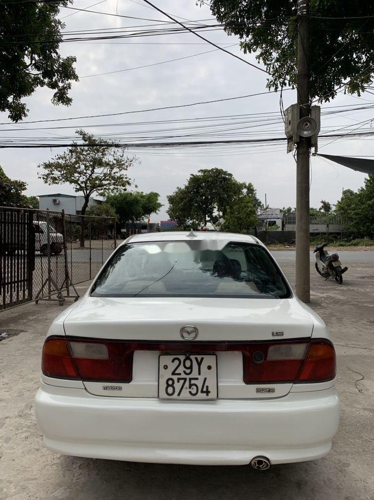 Bán Mazda 323 đời 2000, màu trắng (6)