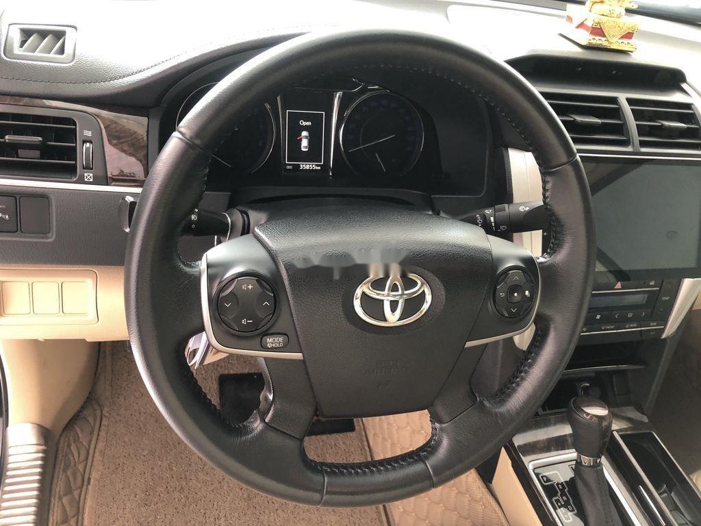 Cần bán gấp Toyota Camry năm 2017 như mới, giá chỉ 825 triệu (8)