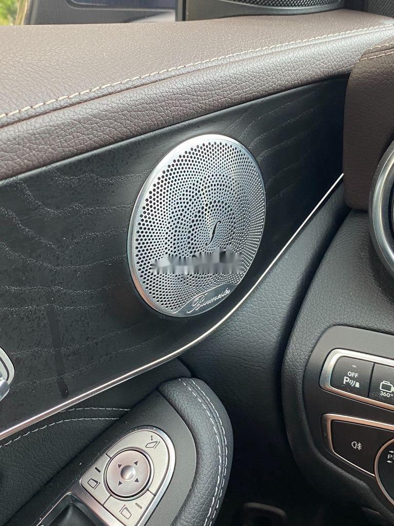 Cần bán xe Mercedes GLC300 4 Matic năm sản xuất 2019, nhập khẩu nguyên chiếc (7)