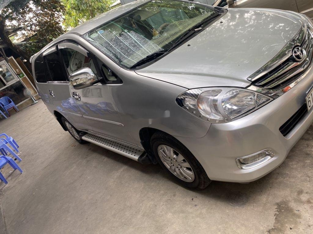 Cần bán xe Toyota Innova đời 2009, màu bạc còn mới, 275tr (4)