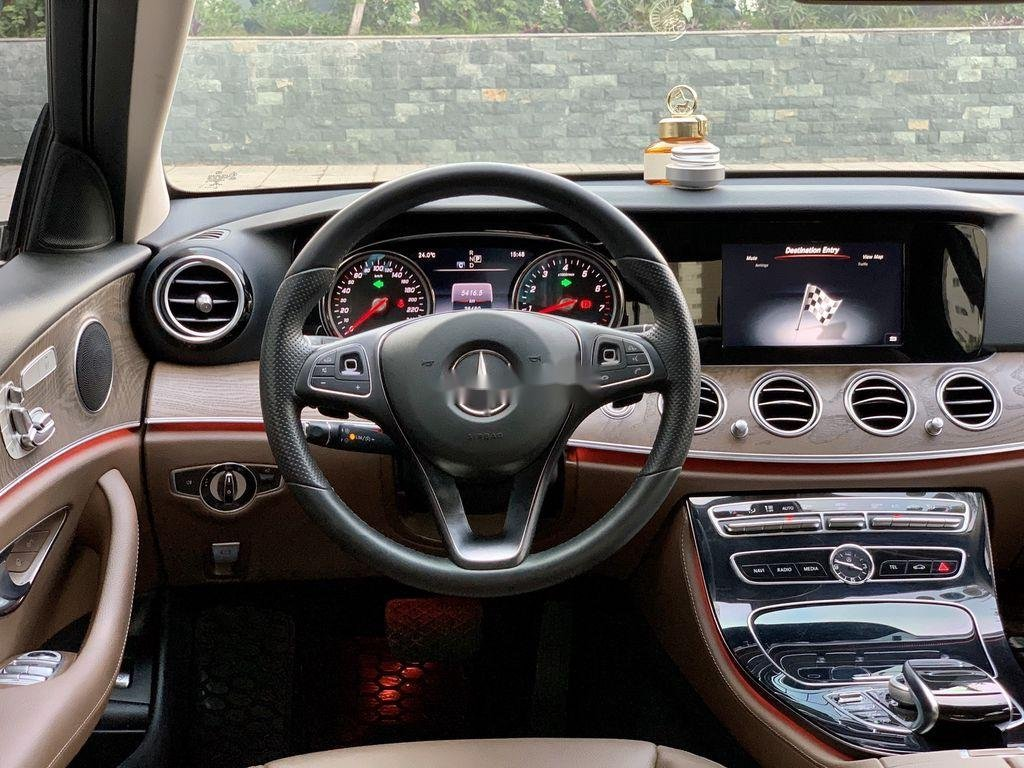 Bán ô tô Mercedes E200 đời 2017, màu đen (7)