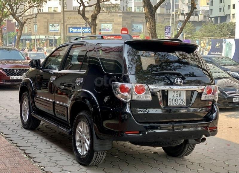 Bán gấp chiếc Toyota Fortuner 2.7V 4x4 2013 (11)
