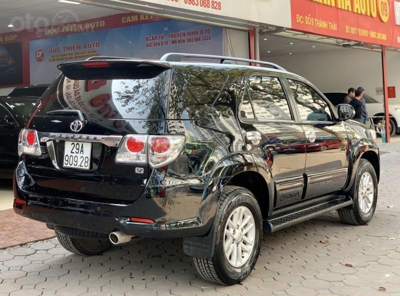 Bán gấp chiếc Toyota Fortuner 2.7V 4x4 2013 (4)