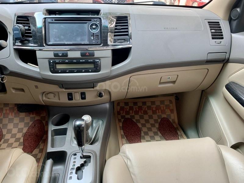 Bán gấp chiếc Toyota Fortuner 2.7V 4x4 2013 (13)