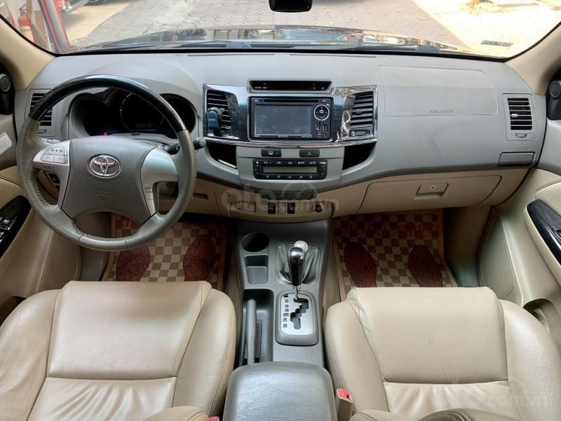 Bán gấp chiếc Toyota Fortuner 2.7V 4x4 2013 (9)